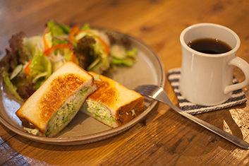 カフェ&ベーカリー 六花