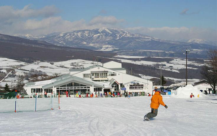 冬はスキー場に。