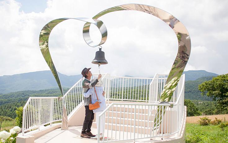 メオトで愛妻の鐘。